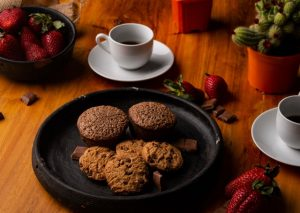 Some cookies and coffee that you can serve to prepare your house for sale and make it homey.